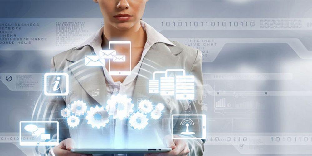 Perempuan Sebagai Poros Industri Teknologi