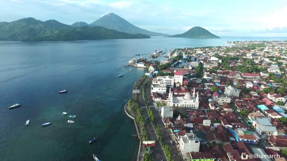 Ternate, pulau kecil yang terpisah dengan pulau pulau lain | wonderful indonesia