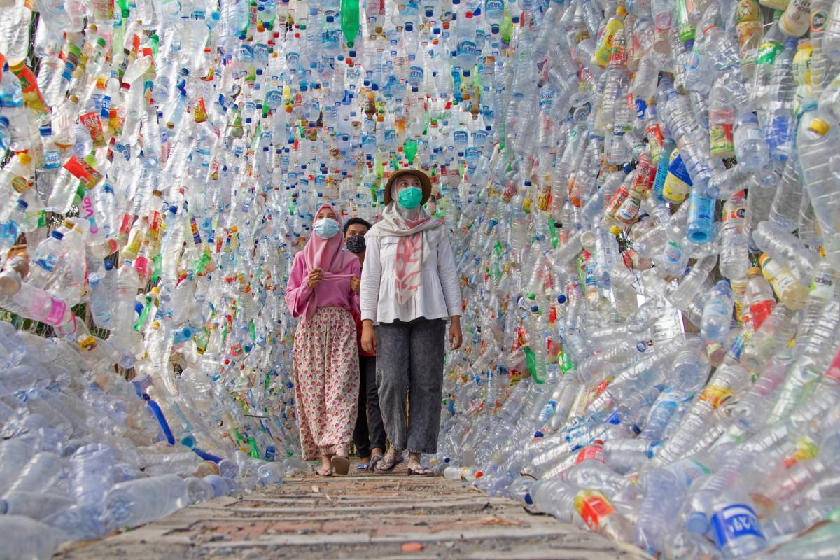 Manfaatkan Ribuan Botol Bekas, Museum Plastik di Gresik Gaungkan Kepedulian Lingkungan