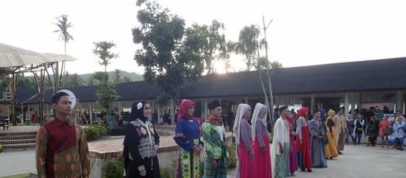 Semakin Serius Menjadi Destinasi Wisata Muslim, Lombok Tengah Adakan Peragaan Busana Muslim