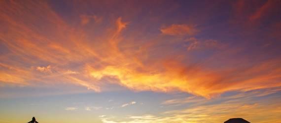 Puncak Sikunir Dieng: Nikmati Pesona Golden Sunrise dari Desa Tertinggi Pulau Jawa