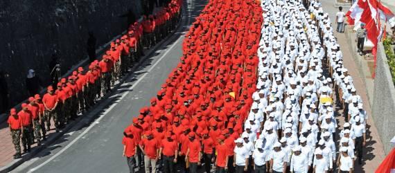 Pecahkan Rekor Dunia, Bendera Merah Putih Ini Panjangnya 400 Meter!
