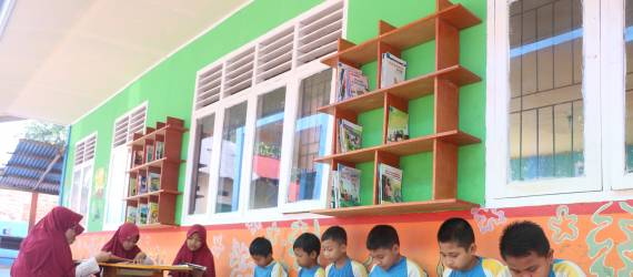 Teras Baca Kian Menjamur di Sekolah-sekolah Jambi