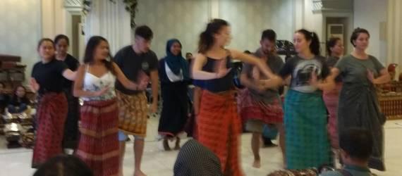 Puluhan Pemuda dari 45 negara Siap Hebohkan Surabaya Dengan Pertunjukan Seni Budaya Kolosal