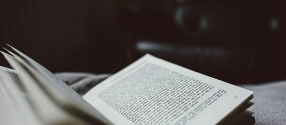 Gentayangan: Novel Indonesia yang Diterbitkan di Inggris