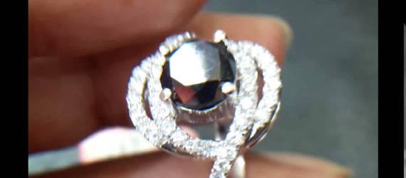 Berlian Hitam yang Tak Kalah Saing