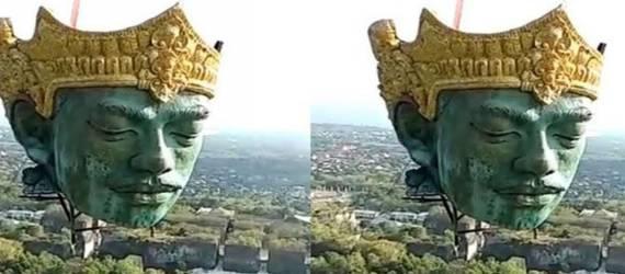 Viral, Video Pemasangan Kepala Patung Dewa Wisnu Seberat 4 Ton di GWK Bali