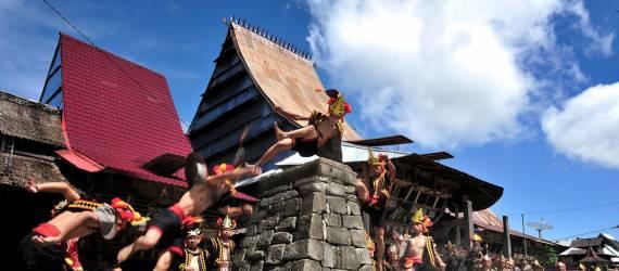 Mengenal Budaya Nias Lewat Pesta Ya'ahowu 2017
