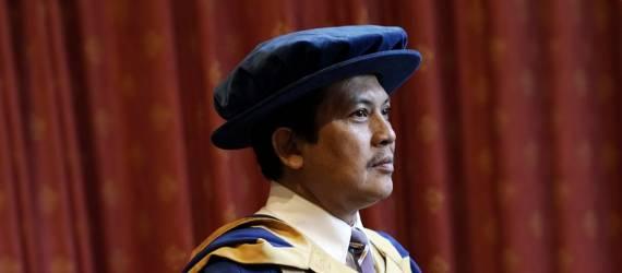 Peneliti Indonesia Asal Blitar Raih Honoris Causa dari Kampus Coventry di Inggris