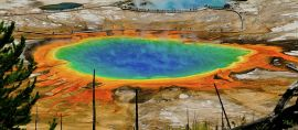 15 World Beautiful Coloured Lakes and Rivers that must be seen in life