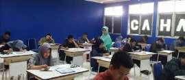 Ribuan Perserta Bersaing Masuk Politeknik Negeri Jakarta