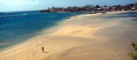 365Indonesia Hari 28: 2 Pulau yang Dihubungkan Oleh Pasir, Gili Sunut, Lombok, Nusa Tenggara Barat
