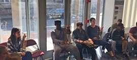 Sebuah Kelas Yale University Menjadi Riuh Berkat Alat Musik Asli Sunda Ini, Ada Apa ya?
