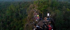 Batu Dinding di Rimba Kalimantan ini Mirip Tembok China