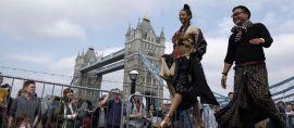 Peragaan Busana Indonesia Pikat Perhatian Warga London