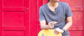 Eross Candra, Signature nya ada di Gitar Merk Kelas Dunia