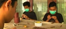 Hebatnya Desainer Indonesia, Ubah Kayu Limbah Jadi Jam Tangan Unik
