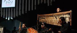 Alunan Musik Sunda dan Tari Topeng di Pagelaran Musik Internasional Java Jazz 2016