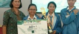 Pelajar SMA Singaraja, Sukses Buat Obat Kulit Herbal