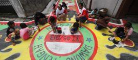Sambut Kemerdekaan, Warga Kampung Dawung Tengah Berkreasi Membatik Jalan
