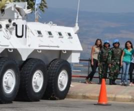 uploads--1--2014--08--55736-prajurit-wanita-tni-senyum-jaga-perbatasan-lebanon-israel