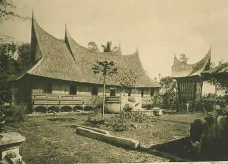 Rumah_gadang_1910