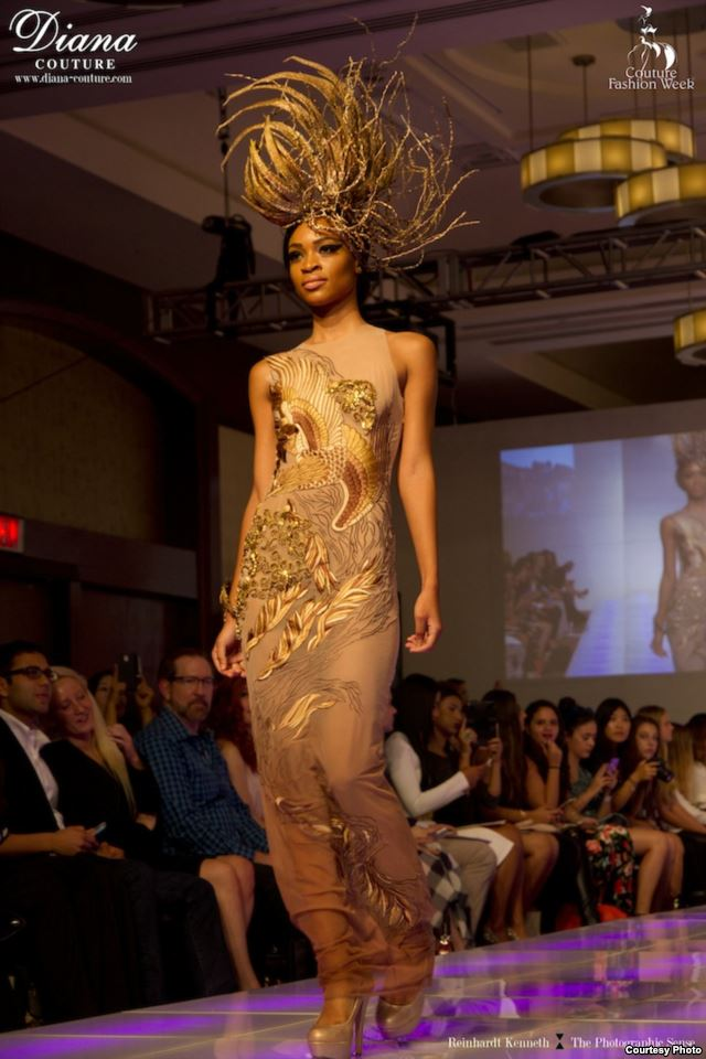 Diana Couture dengan tema Garuda (foto: voaindonesia)