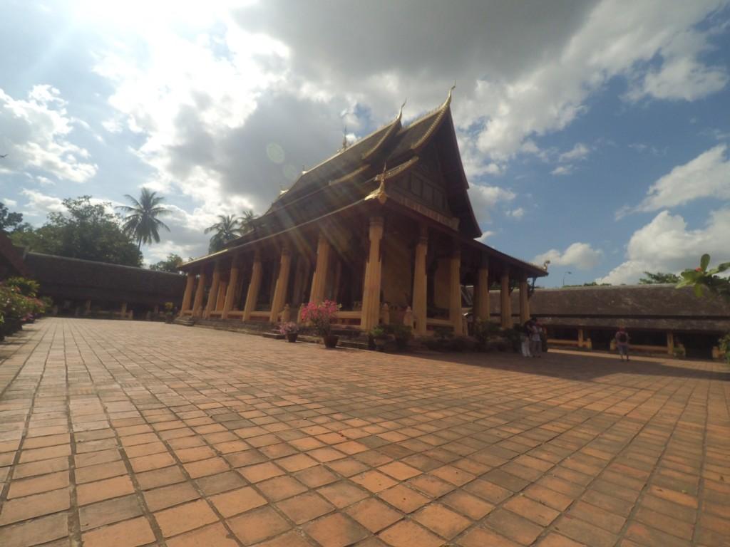 Vat Sisaket, saksi sejarah Laos