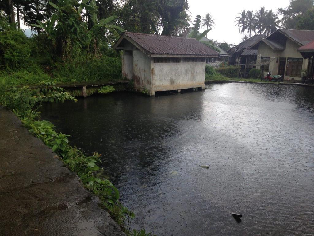Kolam di samping Masjid Asasi Padang Panjang. Sentra Aktifitas Masyarakat