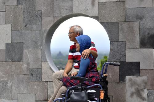 Mulyoto Pangestu bersama Istri (Foto: Djaka Dwiandi / ozip.com.au)