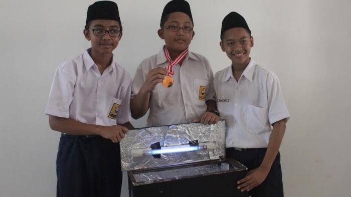 Para siswa dari MTs pondok pesantren (Ponpes) Tahfidz Yanbu ul Qur an, Kudus. (Foto: Yayan Isro Roziki / Tribun Jateng)