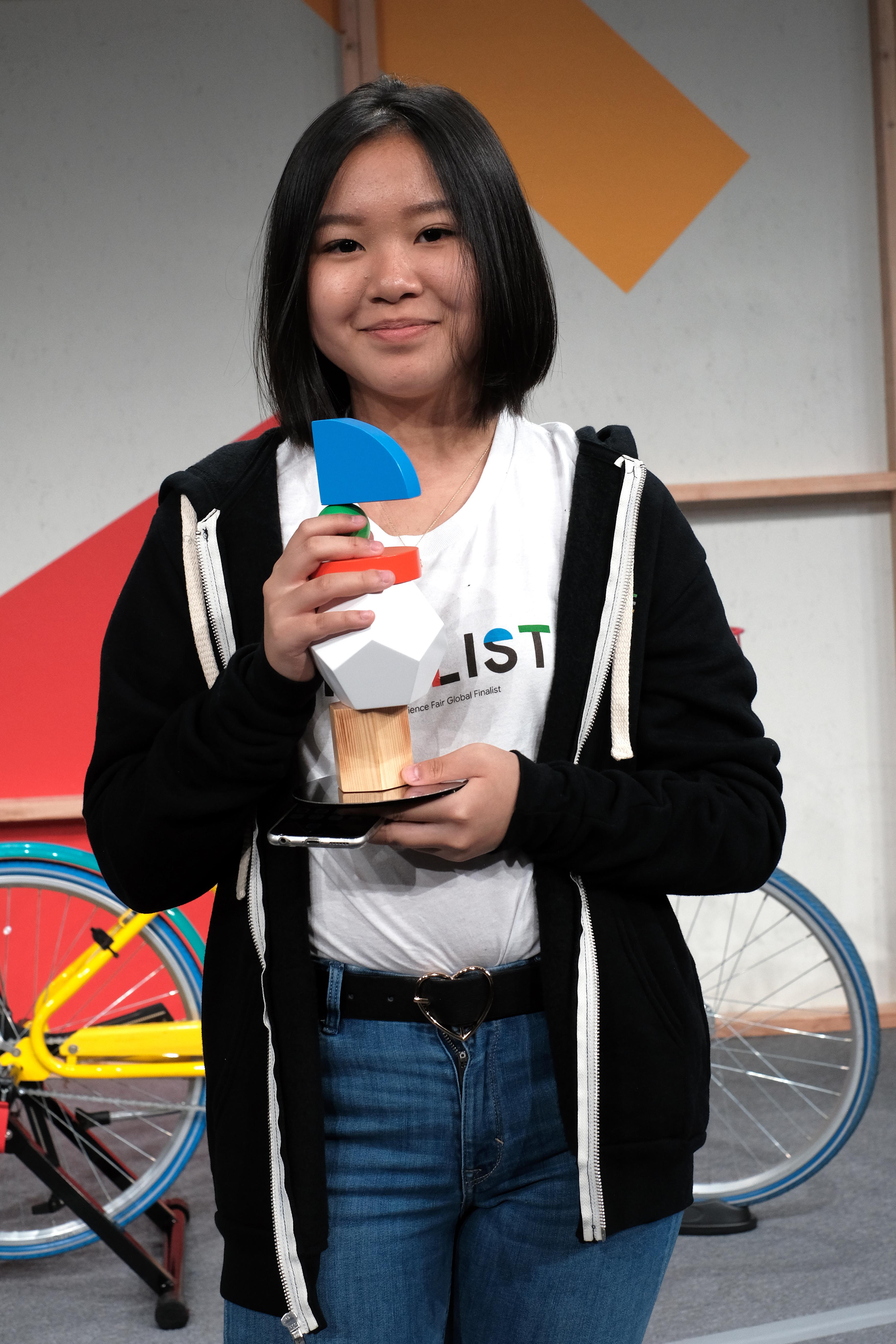 Celestine Wenardy meraih Virgin Galactic Pioneer Award | Foto: Google Indonesia