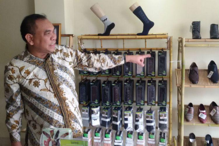 Taufiq Rahman, pemilik Parker Shoes | Foto: Bandung.merdeka.com