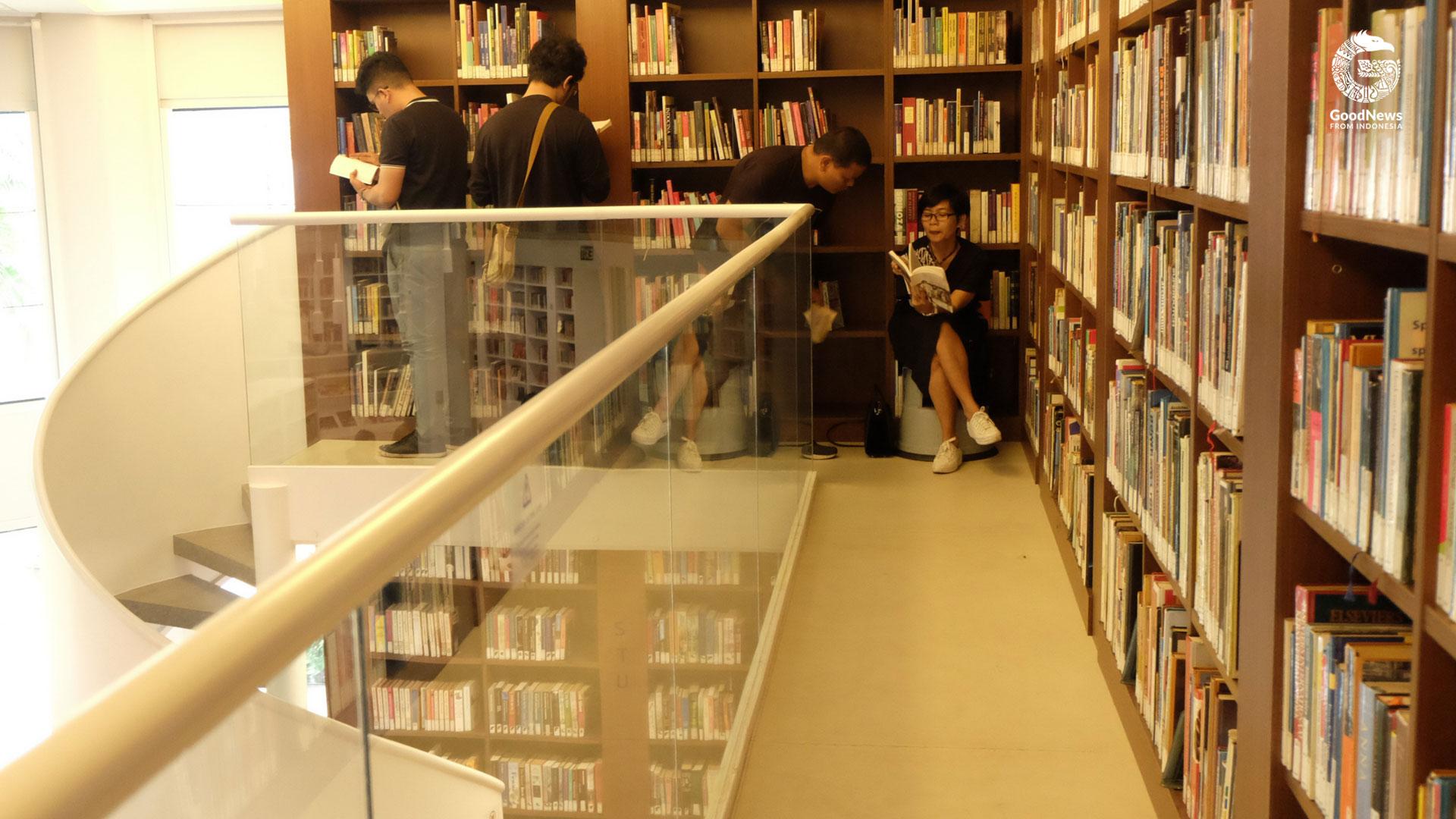 Bagian atas Perpustakaan Erasmus Huis   Foto: Novita Caesaria/ GNFI