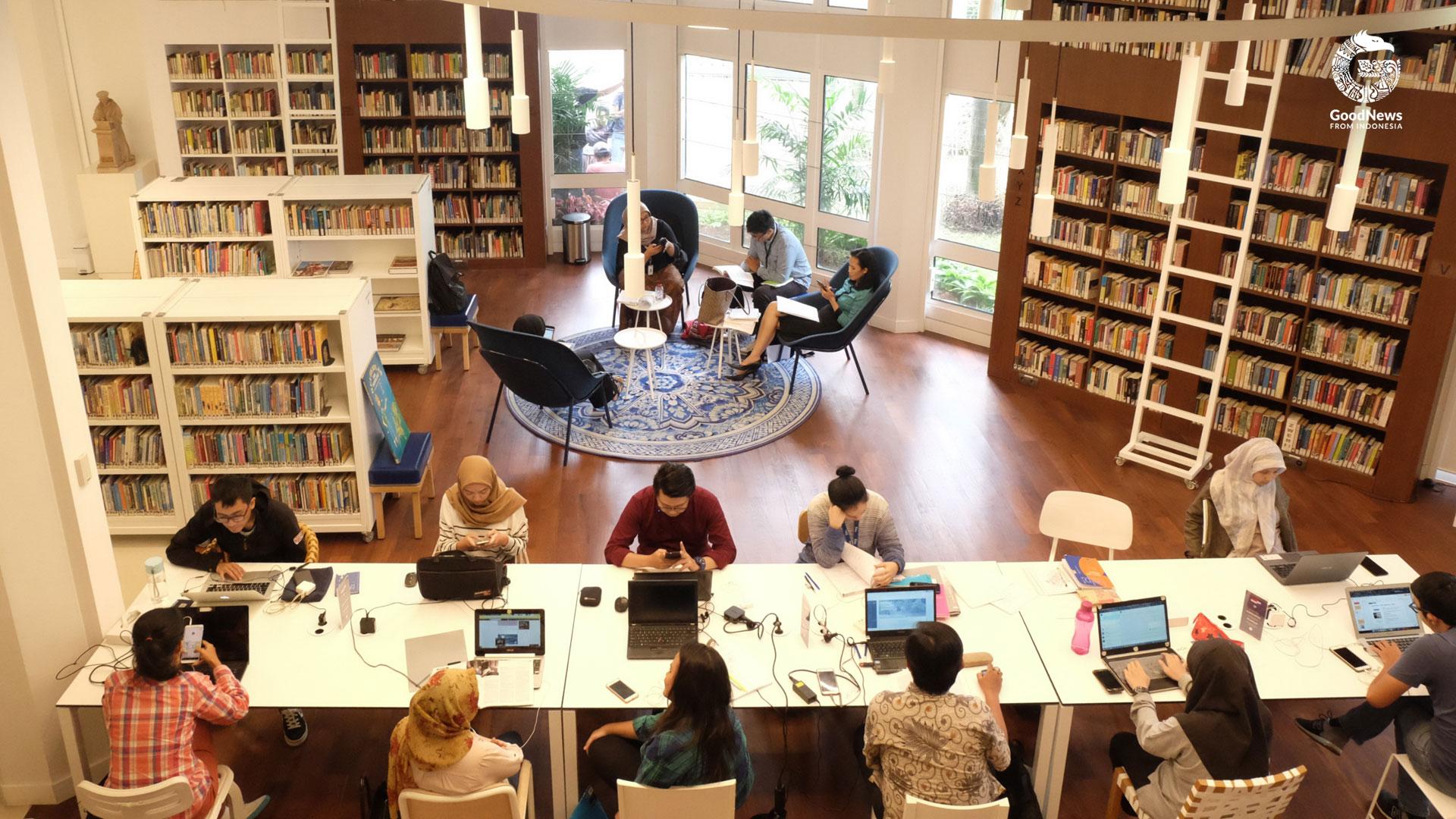 Fasilitas yang ada di Perpustakaan Erasmus Huis   Foto: Novita Caesaria/ GNFI