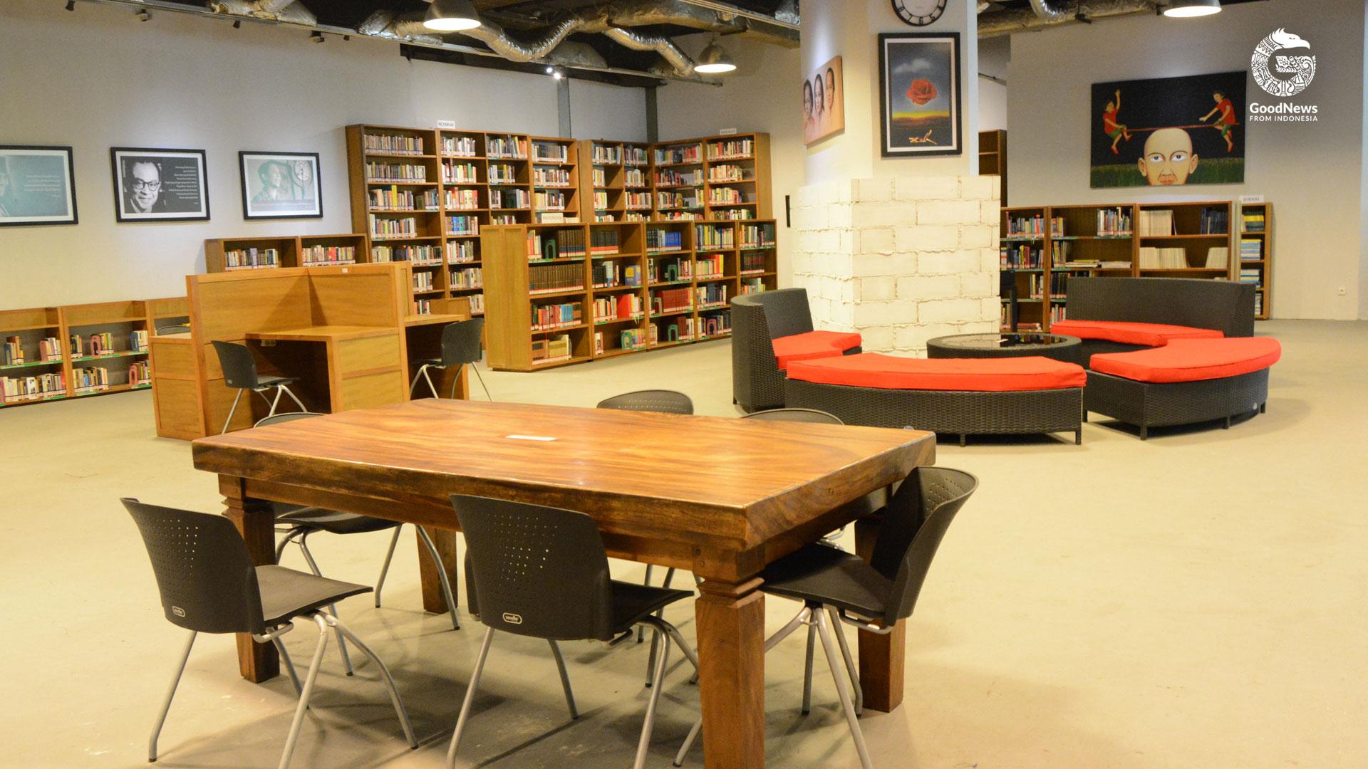 Beberapa fasilitas di Perpustakaan Freedom | Foto: Novita/GNFI
