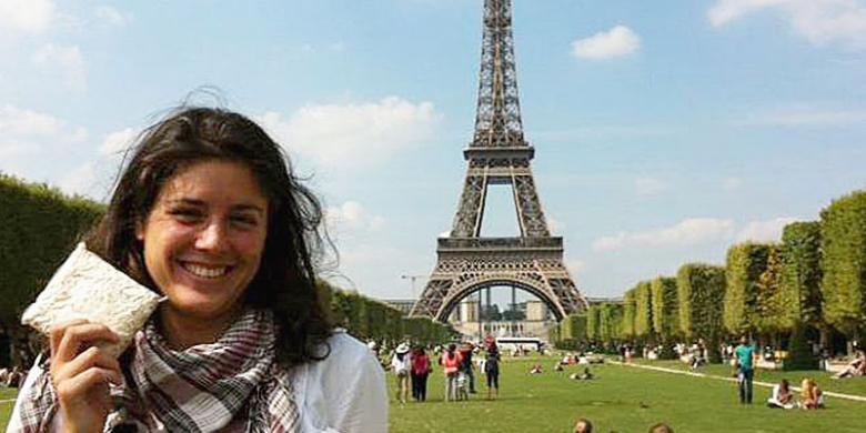 Ana Larderet dan produk tempenya | Foto: Kompas.com