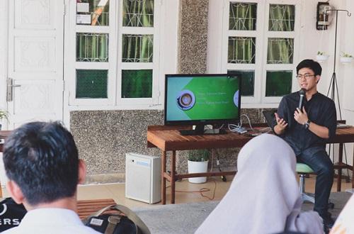Adhitya Herwin Dwiputra saat menjadi narasumber seminar | Foto: jogjakartanews.com