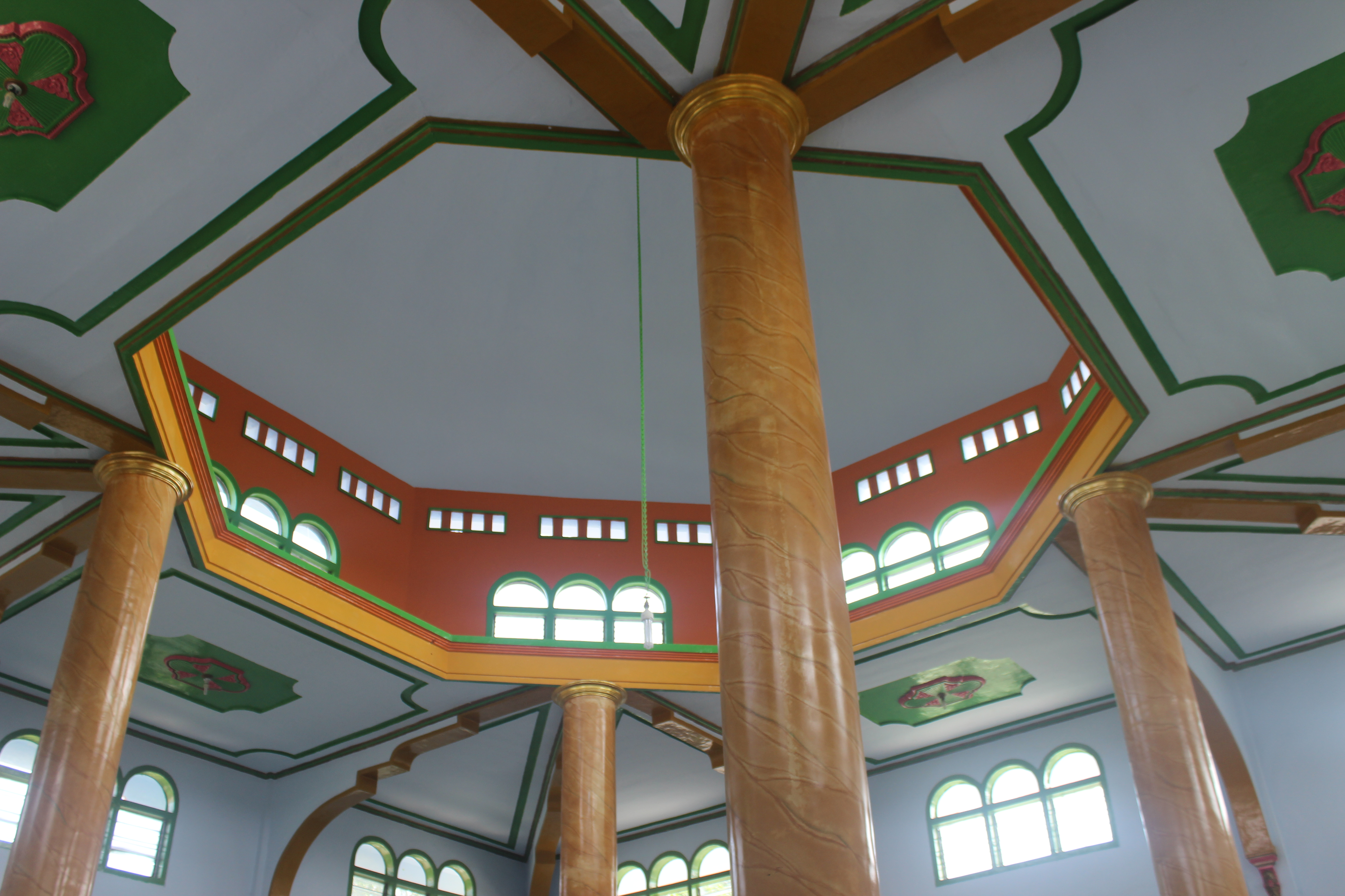 Salah satu masjid dengan arsitektur menarik yang berdiri di Probolinggo