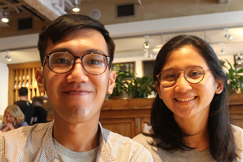 Penulis dan Annya Suhardi ketika bertemu di Le Pain Quotidien, Great Marlborough Street, London