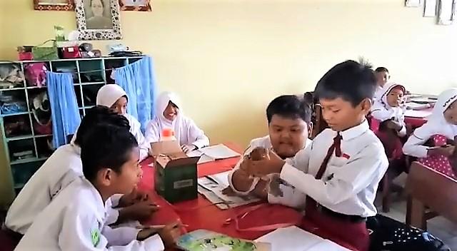 Suasana di kelas Bu Wiwik | Foto: Dok. Tanoto Foundation Kaltim