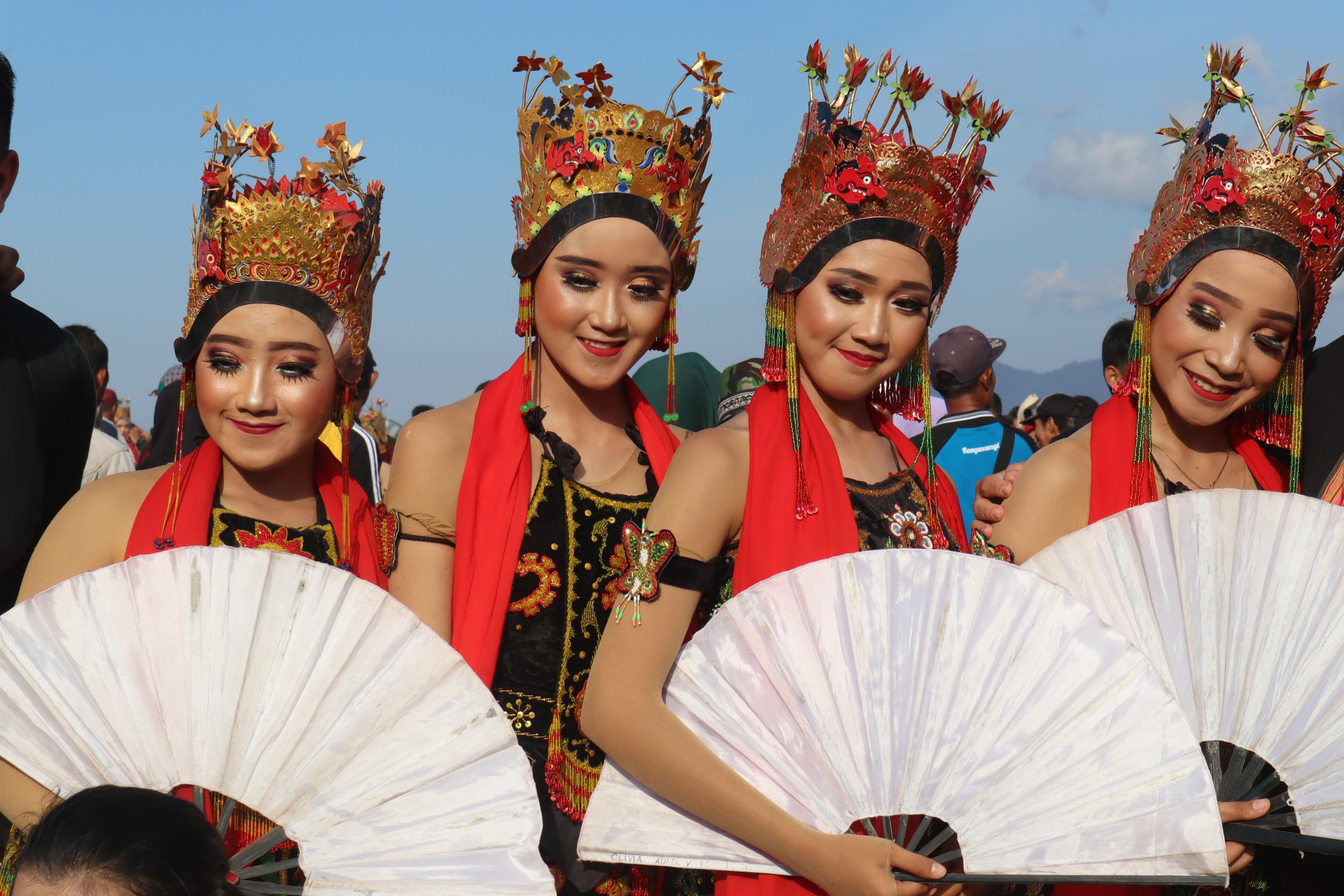 Para penari Festival Gandrung Sewu | Foto: Martha Tilaar