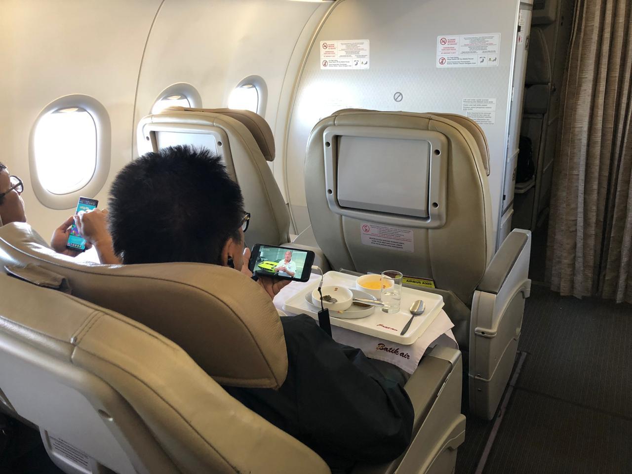 Wi-Fi Entertainment di Batik Air menawarkan berbagai layanan | Foto: Batik Air