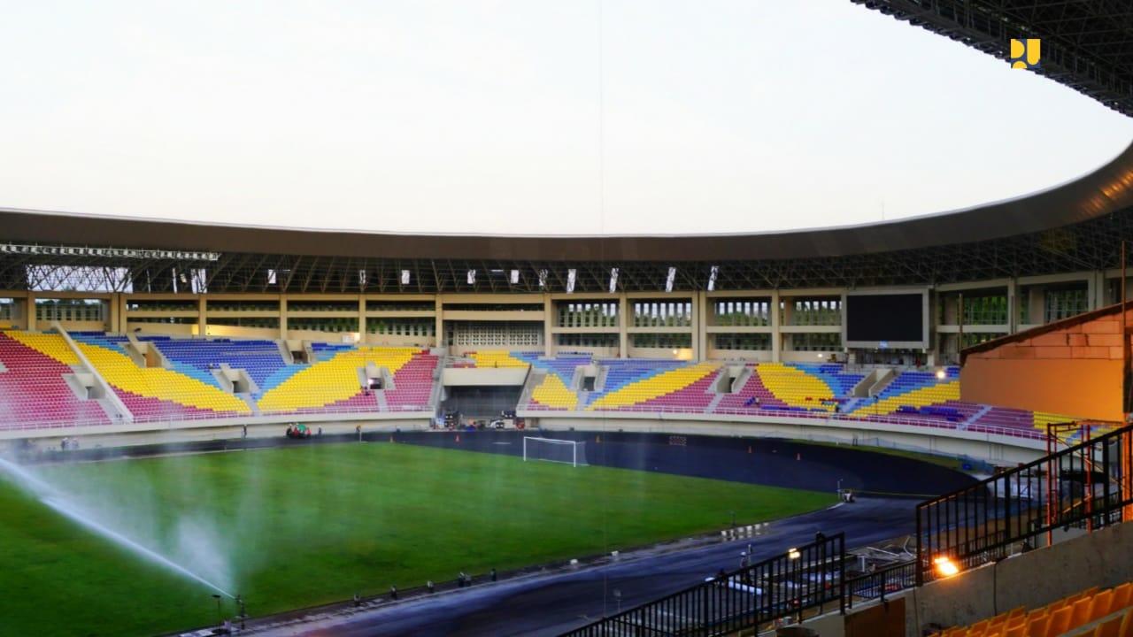 Motif warna-wanri di tribun Stadion Manahan | Foto: pu.go.id