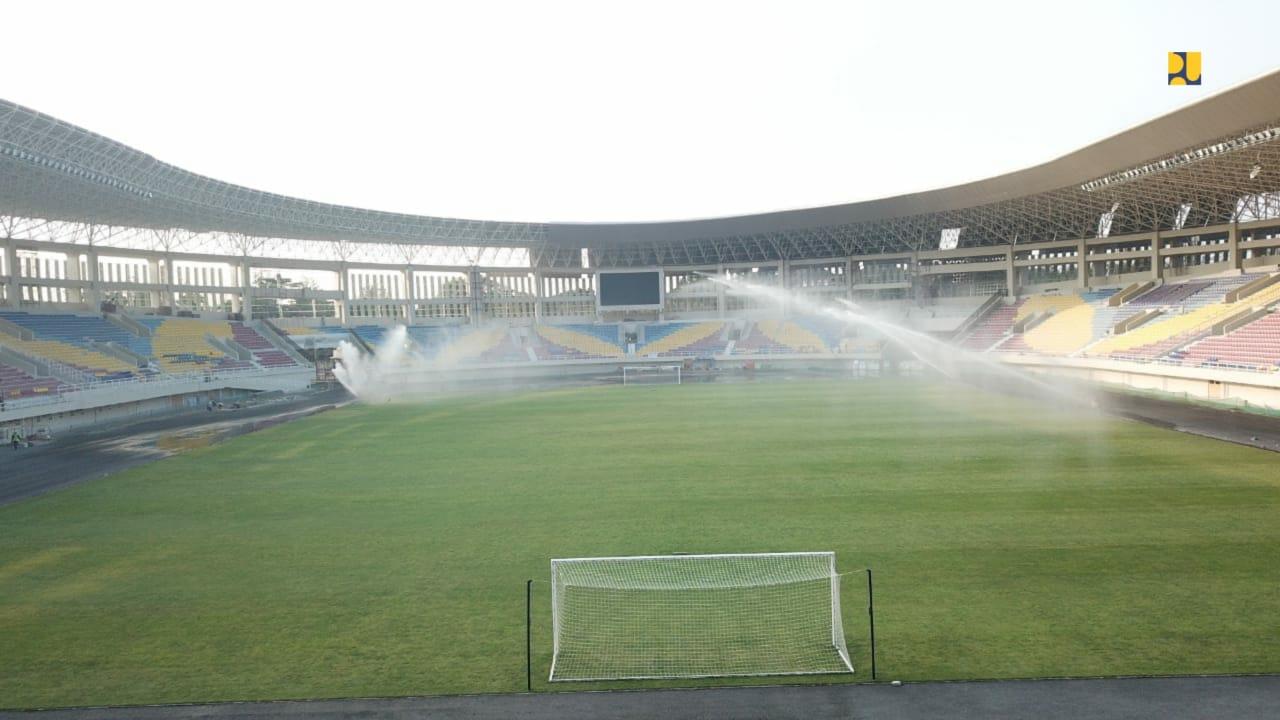 Tribun Stadion Manahan Solo sekarang berkapasitas 20 ribu single seat | Foto: pu.go.id
