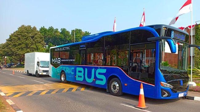 Bus MAB melintas di bandara internasional Soekarno-Hatta | Foto: Dok. MAB