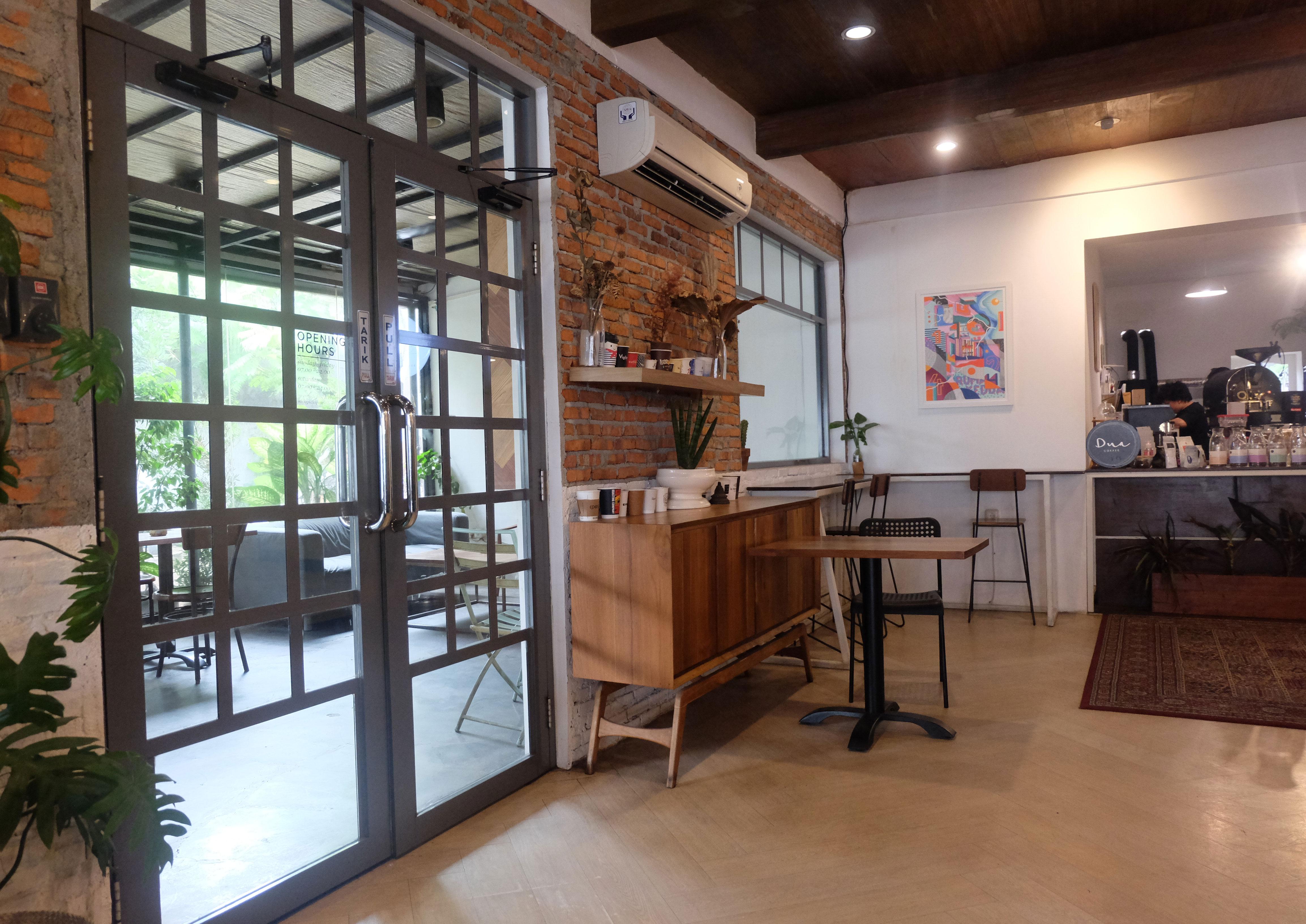Interior Dua Coffee di Cipete, Jakarta Selatan | Foto: Aditya Jaya/GNFI