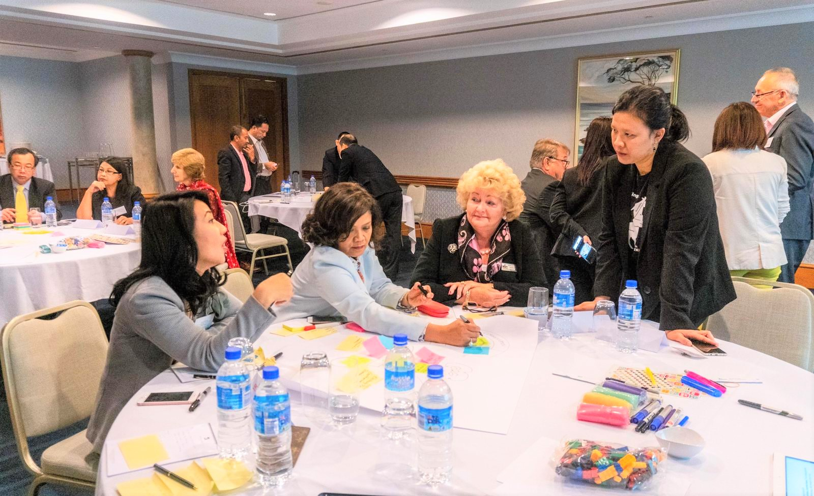 Suasana pelatihan desain partisipatif dan forum interaktif | Foto: IDN-U