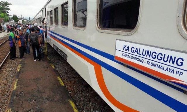 Gerbong KA Galunggung | Foto: Bambang Arifianto/Pikiran Rakyat