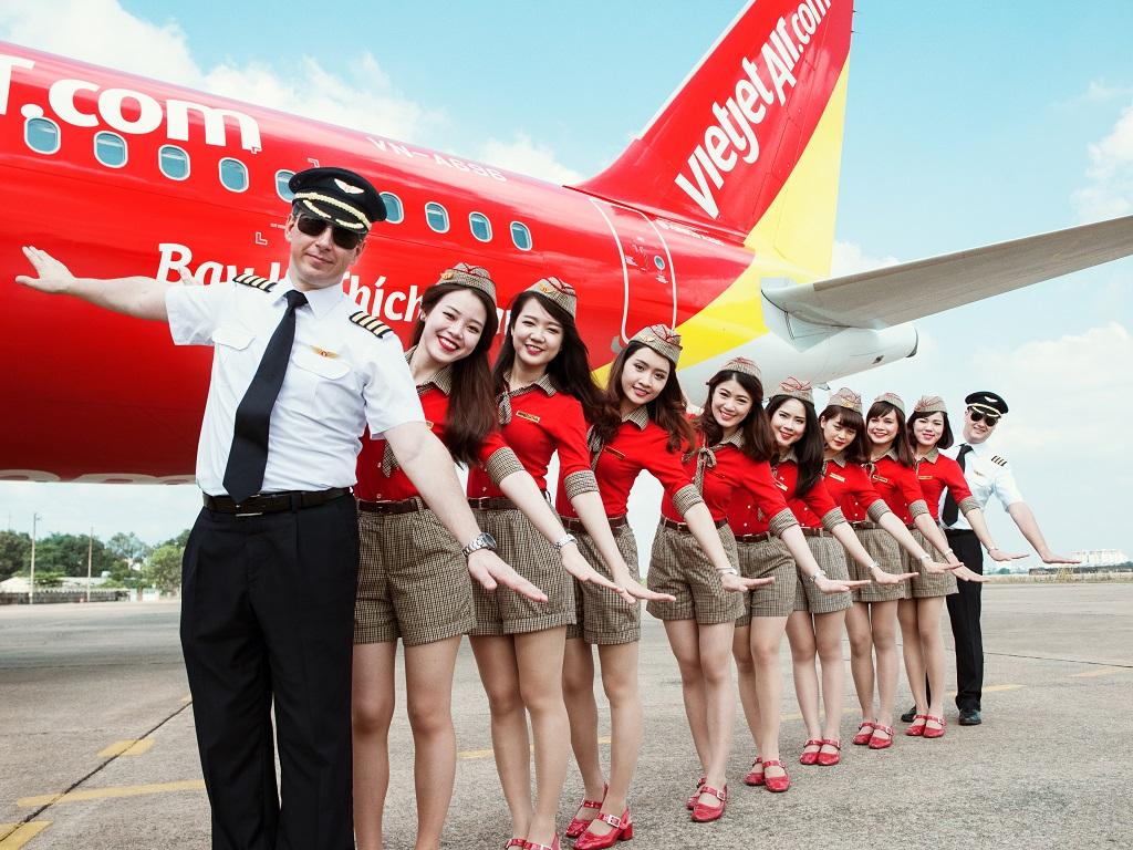 Seragam yang akan dipakai pramugari VietJet Air rute Indonesia | Foto: Airline Ratings